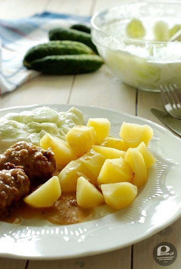 Obiad po polsku – Klopsiki babci z ziemniaczkami i mizerią