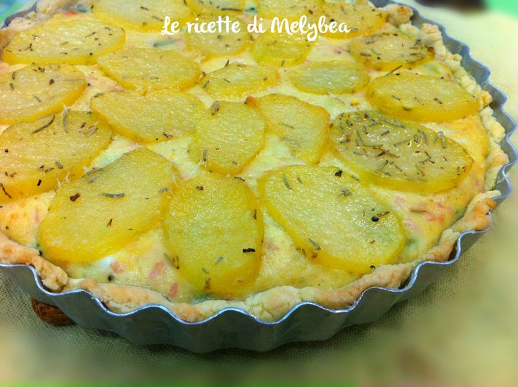 Potatoes, ham and zucchini pie.