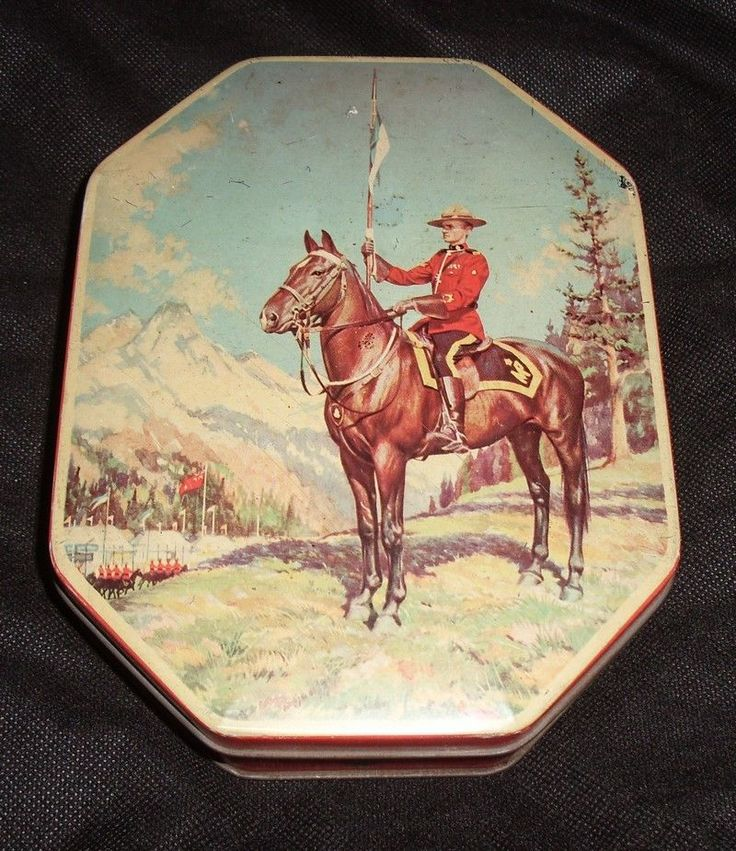 Royal Canadian Mounted Police on Horse George W. Horner Sweet Tin Vtg England #GeorgeWHornerCo
