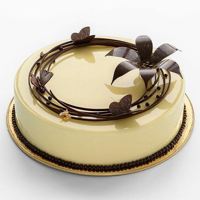 "4,162 Likes, 13 Comments - Pastry Inspiration (@pastry_inspiration) on Instagram: ""#Repost @margaritasamusenko: Яркий зимний ягодный вкус клюква-корица-кокос✨ Люблю это…"""