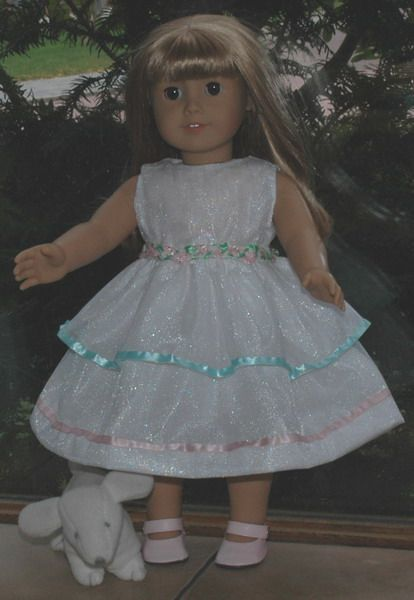 Sleeveless dress pattern for dolls