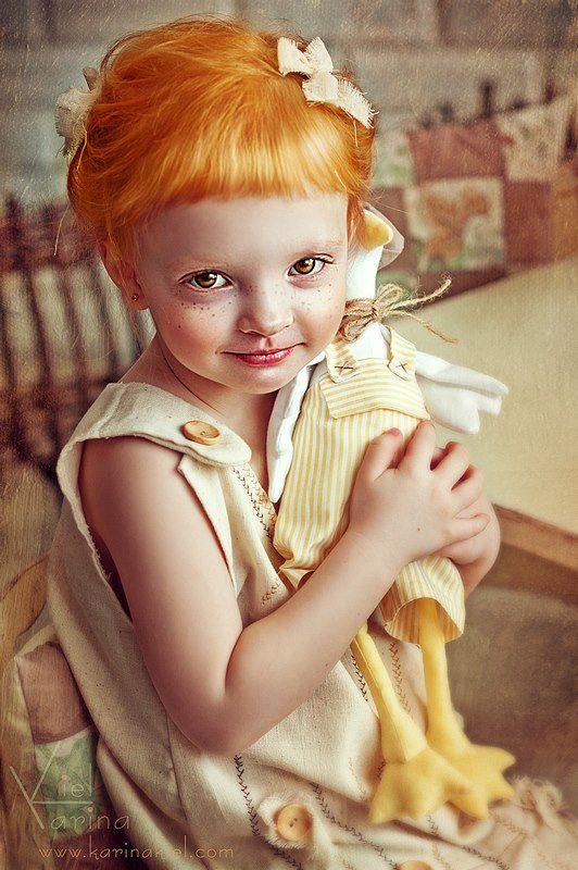 Karina Kiel, una niña de rasgos europeos.