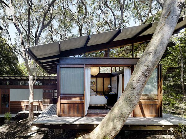 Angophora House by Richard Leplastrier.