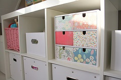 I reorganised my craft room... and upcycled an Ikea Moppe with crafting paper.