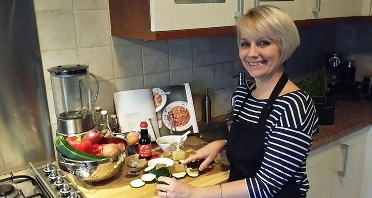 Een groen leven ziet er voor iedereen anders uit. We vroegen het aan Sandra Frey. Sandra heeft coeliakie en een lactose-intolerantie en eet geen vlees.