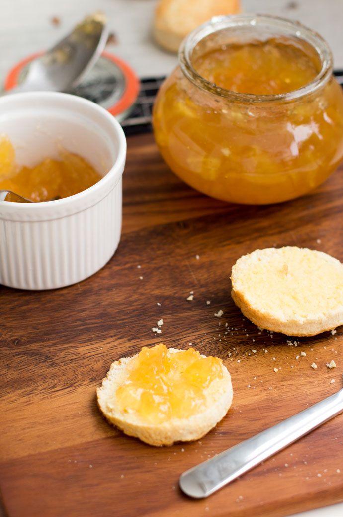 Wat is het alweer lang geleden dat ik scones gebakken heb. Niet omdat ze moeilijk zijn om te maken. In tegendeel dit recept voor scones is heel erg makkelijk. Ik ben er gewoon niet meer aan toegekomen, ook al roep ik iedere keer 'dit weekend' ga ik scones bakken. Het gaat er wel weer van...Lees Meer »