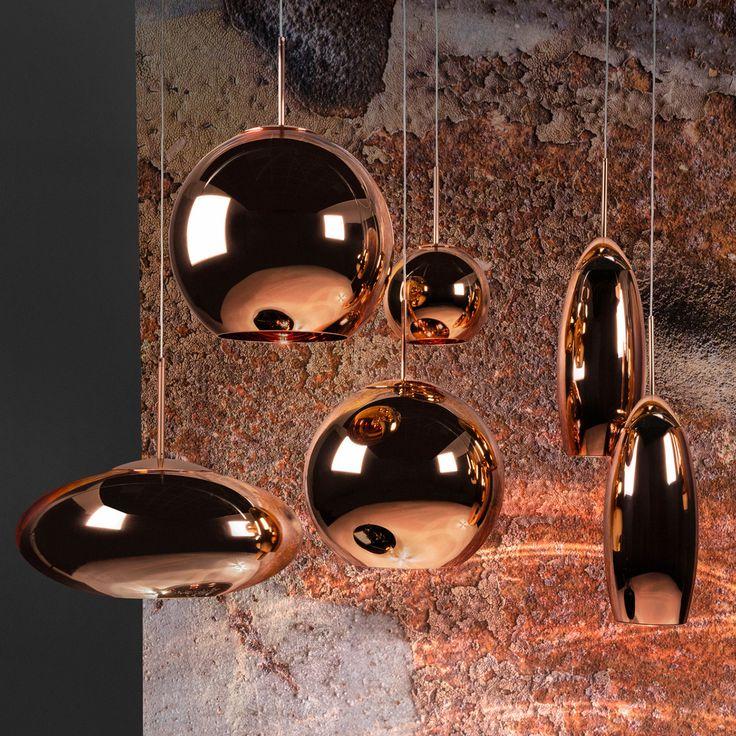 Die schmale Kupfer Pendelleuchte von Tom Dixon eignet sich ideal über dem Esstisch und verleiht dem Wohnzimmer, Schlafzimmer oder dem Flur ein klassisches Ambiente.
