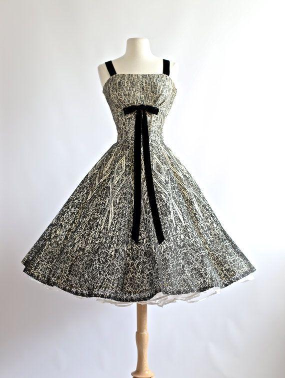 Vintage 50er Jahre Kleid ~ Vintage 50er Jahre Party Kleid in schwarz und weiß ~ 50er Jahre Prom Kleid voller Rock