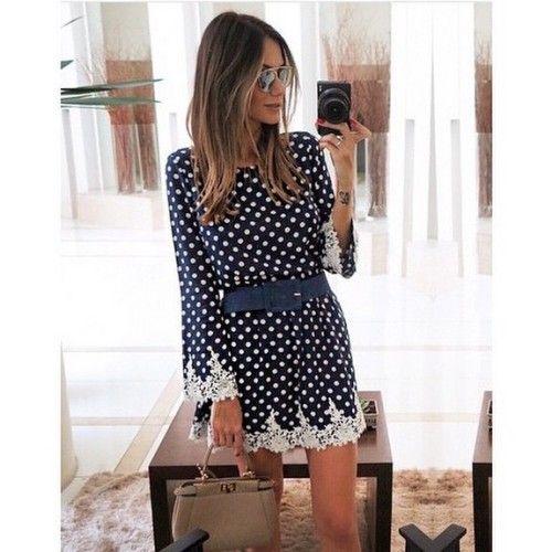 A blogger Mari Coelho usando vestido de poá mega fofo!