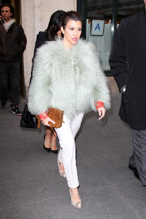 59 best images about kardashians on pinterest kris for Fish pedicure nyc