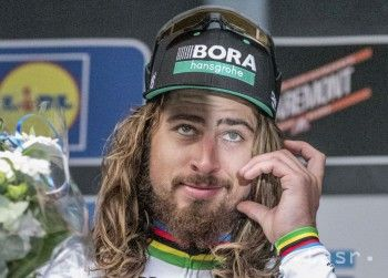 Jazdec tímu Bora-Hansgrohe nastúpil dvesto metrov pred cieľom a nedal súperom šancu.