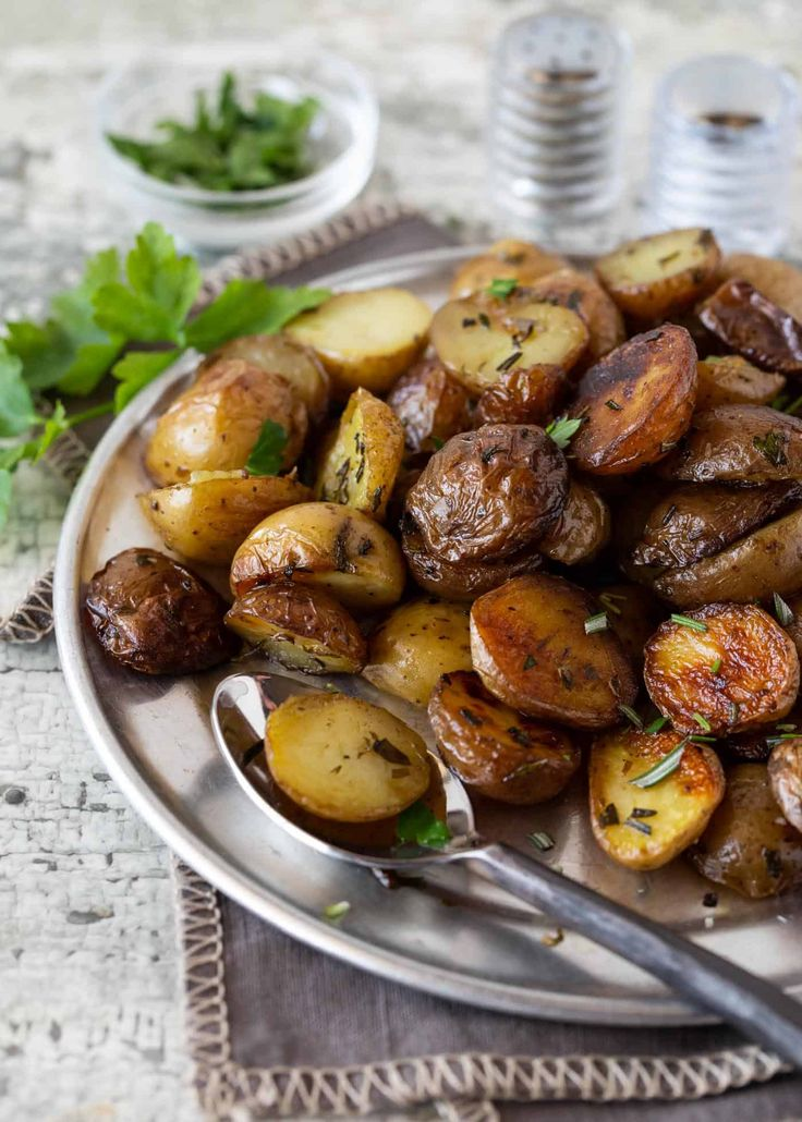 Add these tasty Herbed Grilled Potatoes in Foil to your ...