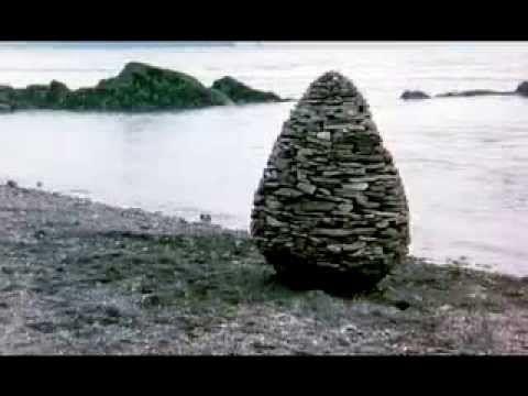 Una fuente de inspiración....... Andy Goldsworthy's Rivers and Tides Trailer - YouTube