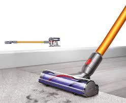 #bestoftheday #FF Last year, the Dyson V6 proved to be a lightweight, cordless vacuum with good suction and a mediocre battery. The Dyson V8 Absolute vacuum has updated several features found on its earlier counterpart, the most notable update being a doubled battery life. The Dyson V6 battery drains after 20...