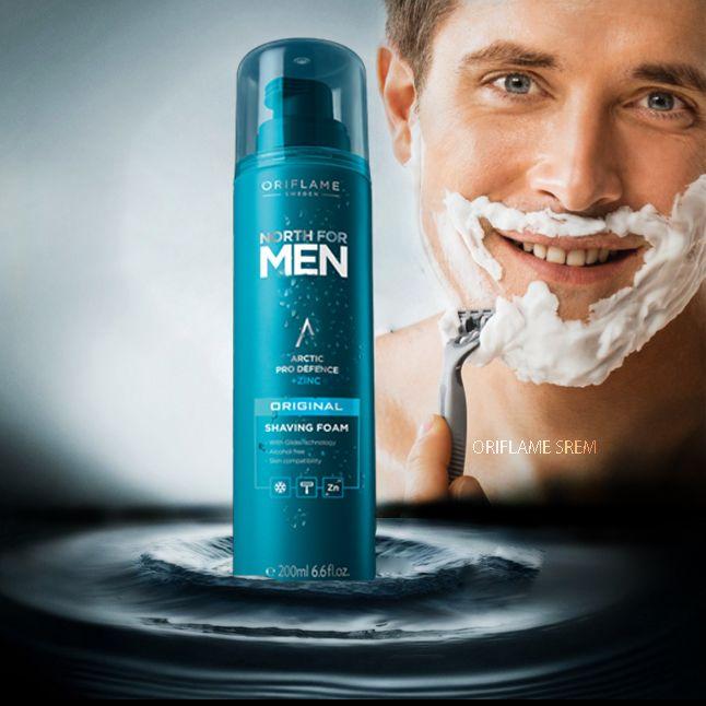 32002-North for Men Original pena za brijanje obogaćena Arctic Pro Defence kompleksom, cinkom i tehnologijom za glatko brijanje. Osigurava efikasno i glatko brijanje te štiti kožu od posekotina i iritacija ostavljajući je mekom i hidratiziranom. Ne sadrži alkohol.