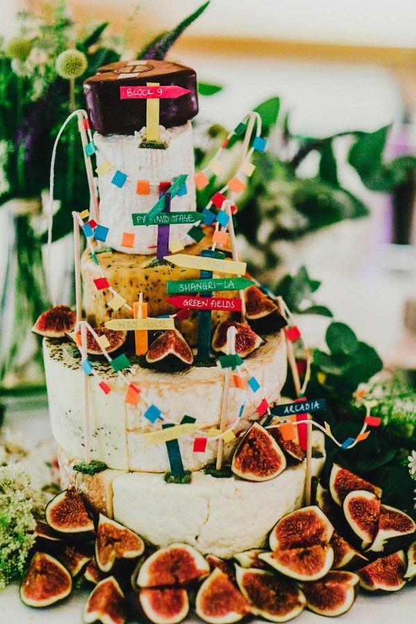 Cheese cake | Image by Steve Gerrard via http://junebugweddings.com/wedding-blog/woodstock-inspired-wedding-east-bridgford-hill/