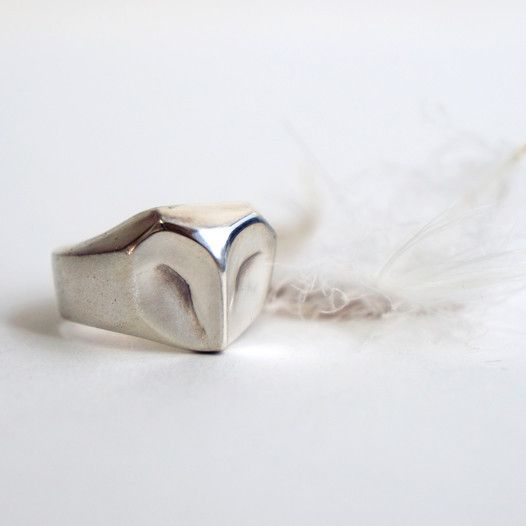 Owl Ring | ELINA GLEIZER  This ring would be a dream to have as an engagement ring. It has a very Labyrinth look to it.