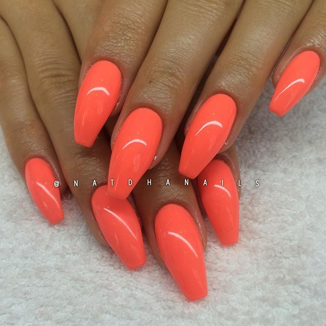 Påfyll/förstärkning på naturliga naglar med Orange Lollipop 132 från Semilac/ www.nagelbutiken.se ...