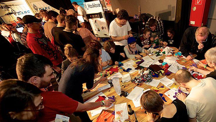 Make Munich 2014 - Soft Circuit Workshop