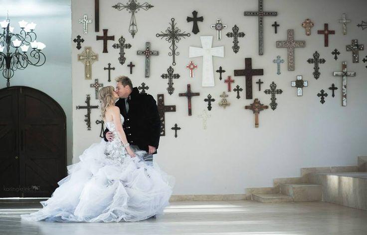 Gerhard Steyn and Zelri dressed by F Wilson Fashion Design