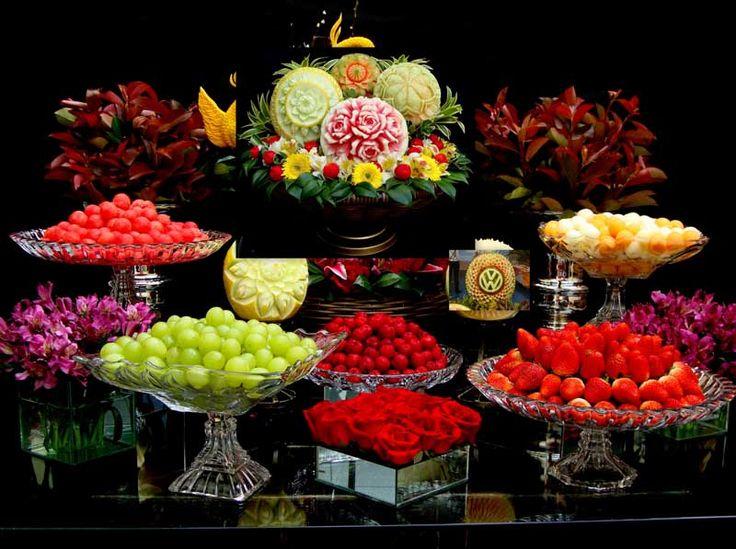 Mesa de frutas                                                                                                                                                                                 Mais