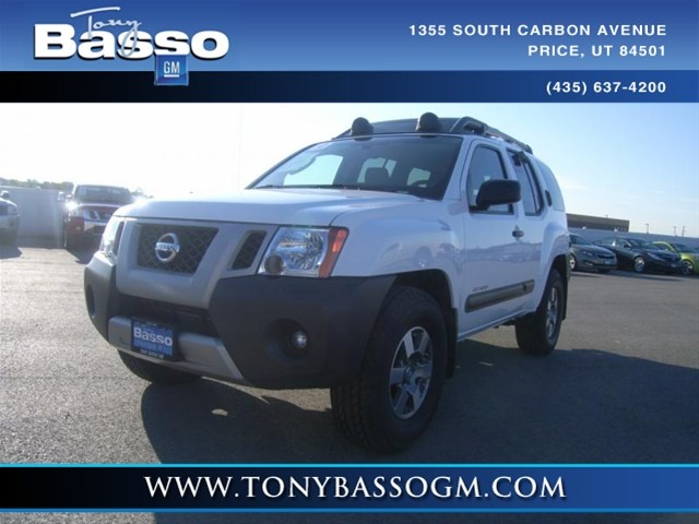 2010 Nissan Xterra, White, 11574985  This is a off road model.  I love it.