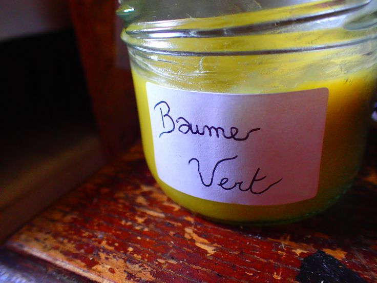 Baume magique à l'huile d'olive infusée aux feuilles de Cannabis.
