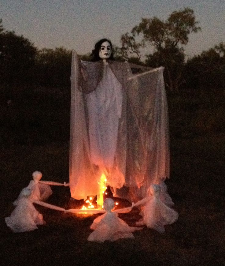 halloween yard decoration with pvc pipe plastic drop cloth mask and wooden stakes
