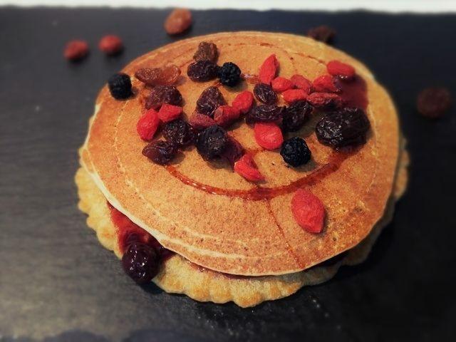 pancake vegani-pancake con farina d' avena- ricetta vegana-pancake senza uova