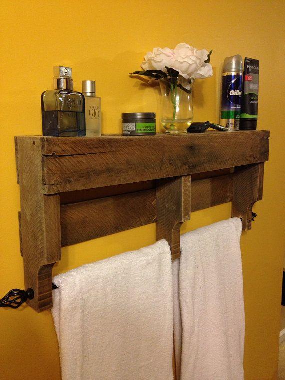 best 25 pallet towel rack ideas on pinterest rustic. Black Bedroom Furniture Sets. Home Design Ideas