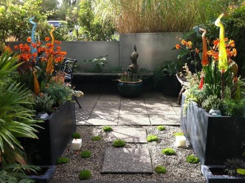Modern tropical courtyard tropical landscape for Garden design ideas vancouver