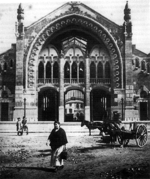 Fachada del Mercado Central de Valencia en 1916 / vintage / architecture / cities / photography