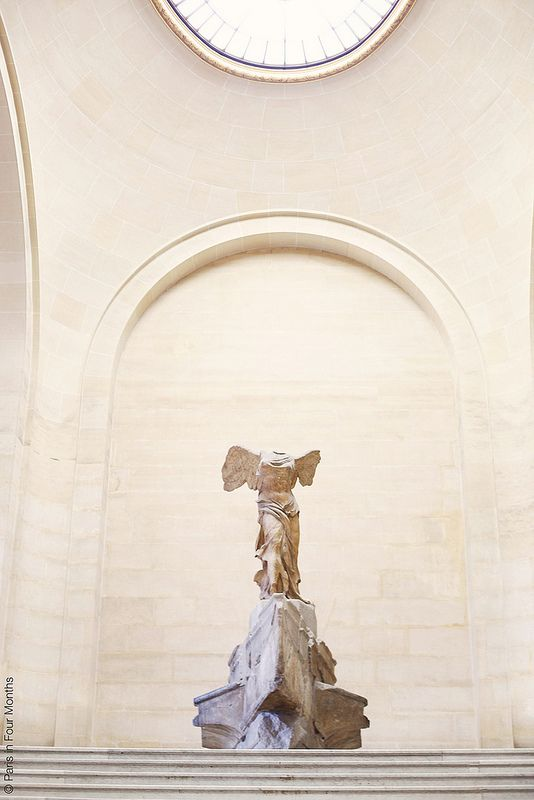Musée du Louvre Memory - the Winged Venus of Samothrace will be the first marvelous sculpture to welcome you upon entering the Louvre museum galleries. It stands at the cross landing of the staircase leading to the exhibits. The stairs to the right of the statue is the gallery where Mona Lisa is seen.