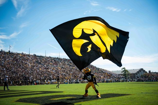 Eno Benjamin: Why The 4-Star Recruit Will Commit To The Iowa Hawkeyes