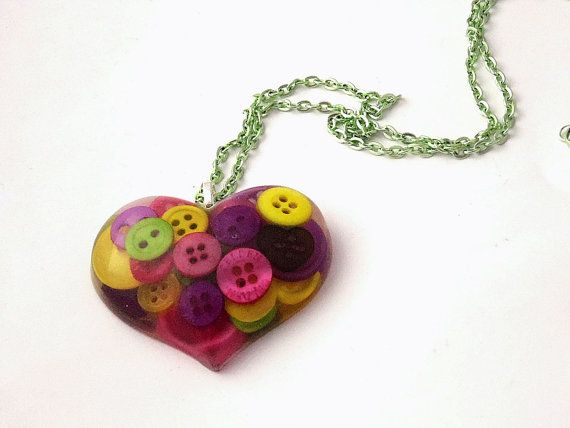Large Cute as a Button Resin Heart Necklace by LilRedsBoutique, €15.00