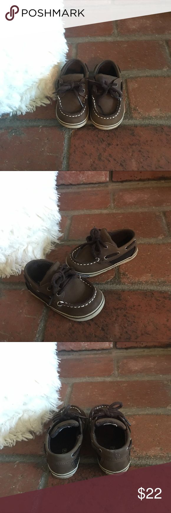 Baby Sperry Top Sider Dark brown baby top siders boat shoes. Worn once for a wedding Sperry Top-Sider Shoes Baby & Walker