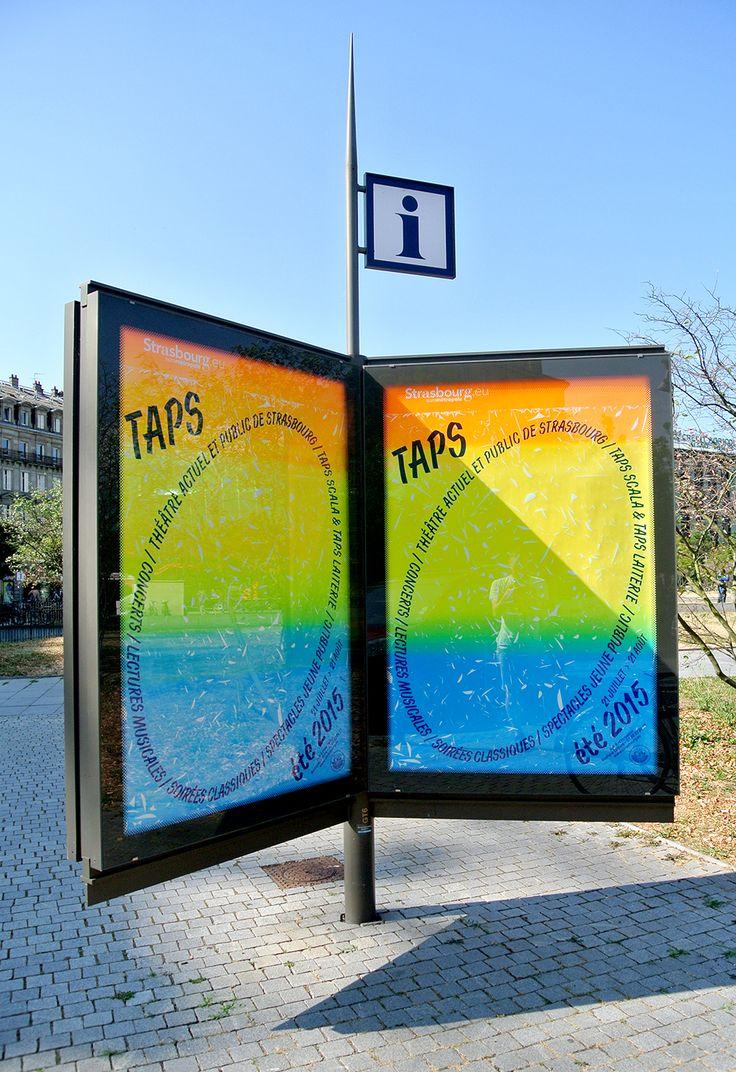 Affichage dans les rues de Strasbourg de la campagne estivale du TAPS, théâtre actuel