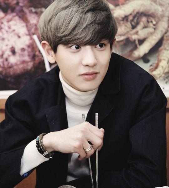 Chanyeol dating alone vk