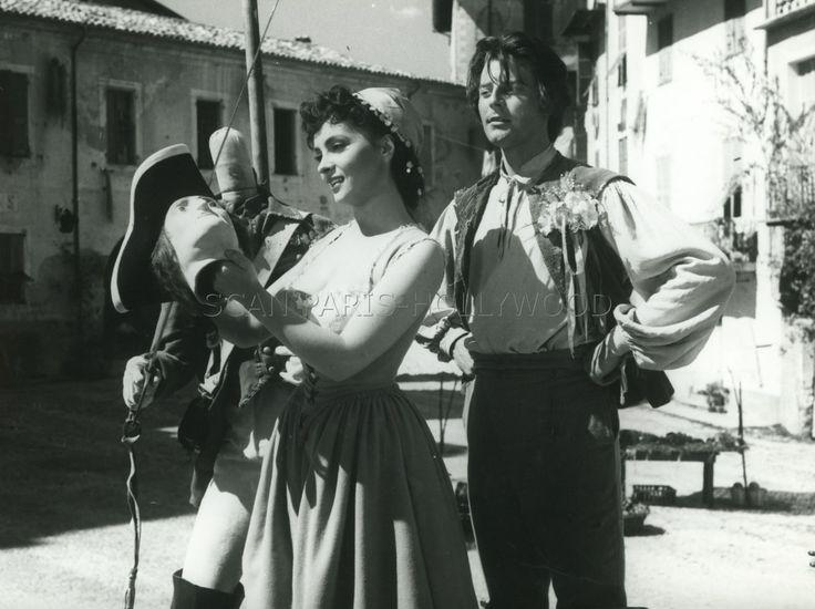 GINA LOLLOBRIGIDA GERARD PHILIPPE FANFAN LA TULIPE 1952 VINTAGE