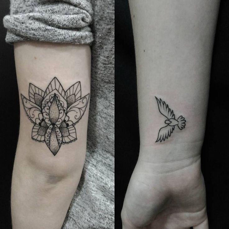 As primeiras tattoos de 2017 foram na Carolina, uma lótus super estilosa e a pomba do espirito Santo ✩