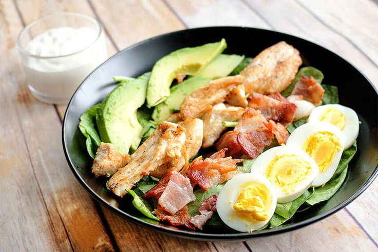 One of the best low carb salads is the Cobb salad! Full of healthy fats like avocado & eggs, while being flavorful & filling. Enjoy at work or school!