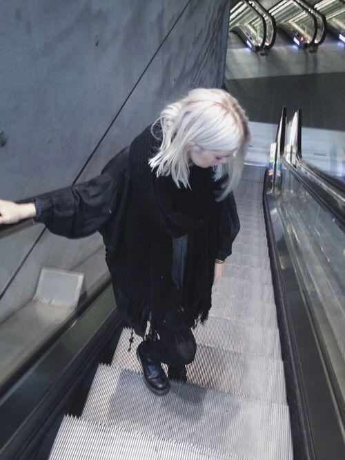 Image via We Heart It https://weheartit.com/entry/135345906/via/8562765 #beautiful #girl #grunge #pale #pretty #softgrunge #palegrunge #darkgrunge