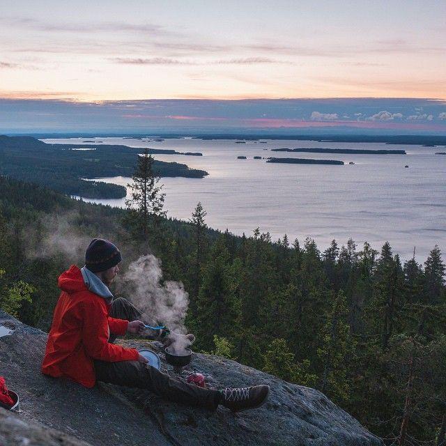 Master chef in the sunrise! #finland #suomi #luonto #nature #scandinavia #travel #adventure