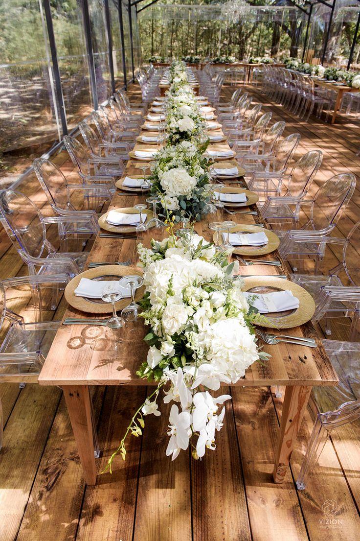 Gorgeous floral table runner at Laetitia & Tyron www.ido4u.co.za