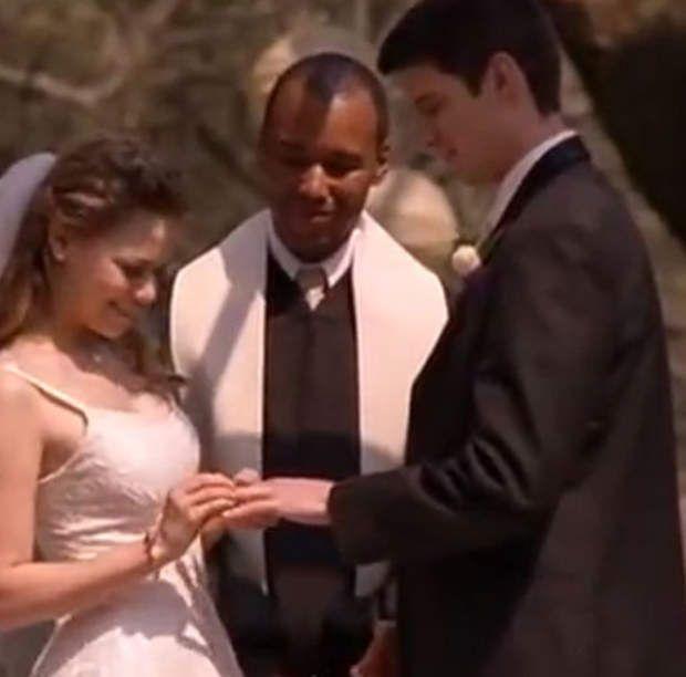 Dans les frères Scott, on a retenu trois mariages : celui d'Hayley (Bethany Joy Lenz) et Nathan (James Lafferty)...