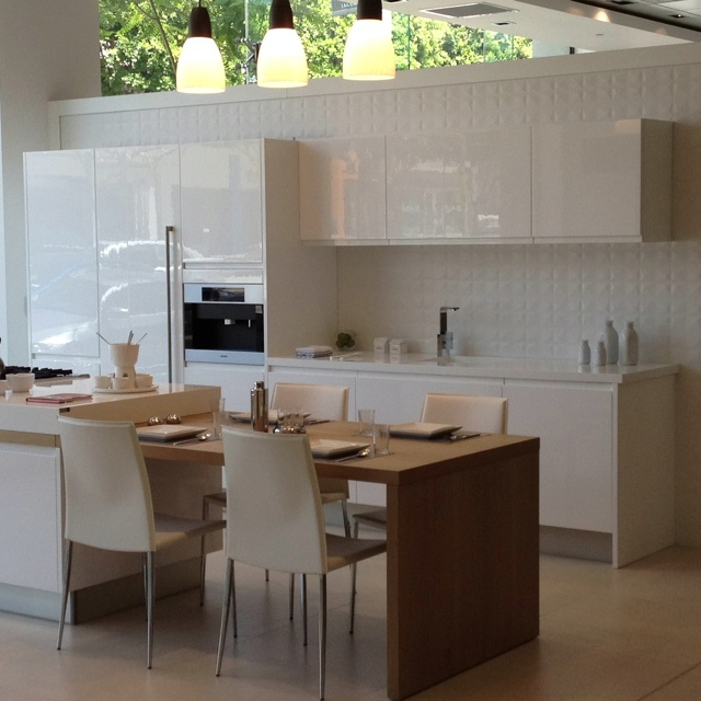 Porcelanosa | Kitchen, Beach kitchens, Kitchen cabinets