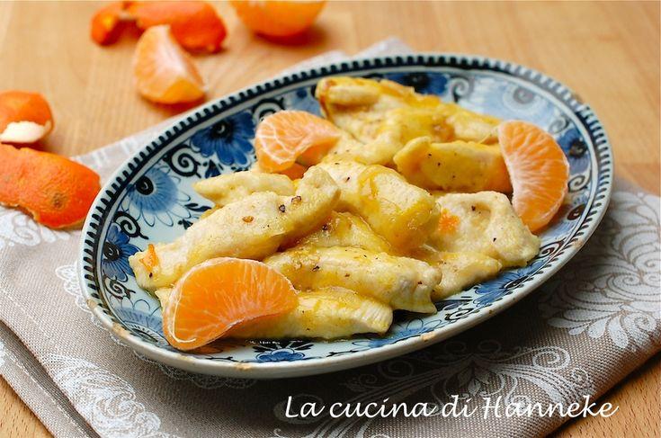 Un secondo sprint dal gusto e profumo irresistibile con l'ingrediente top di questo mese: i tenerissimi straccetti di pollo alle clementine!