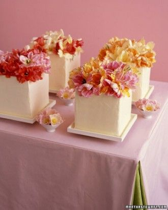 "See the ""Parrot-Tulip Quartet"" in our Unique Wedding Cakes gallery"