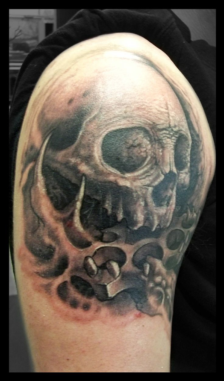 skull brass knuckle tattoo done by frankenshultz artlabs tattoo studio federal way washington. Black Bedroom Furniture Sets. Home Design Ideas