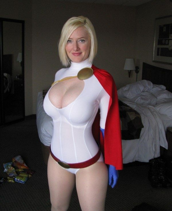 Power Girl - Cosplay: 10 Of The Sexy Best, These Cosplayers Really Got Game
